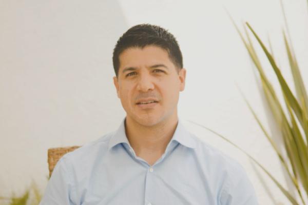 ¿Sabías que? Por: Carlos Andrés Clavijo ¿Tomás Uribe Moreno, no sabe de política? 27