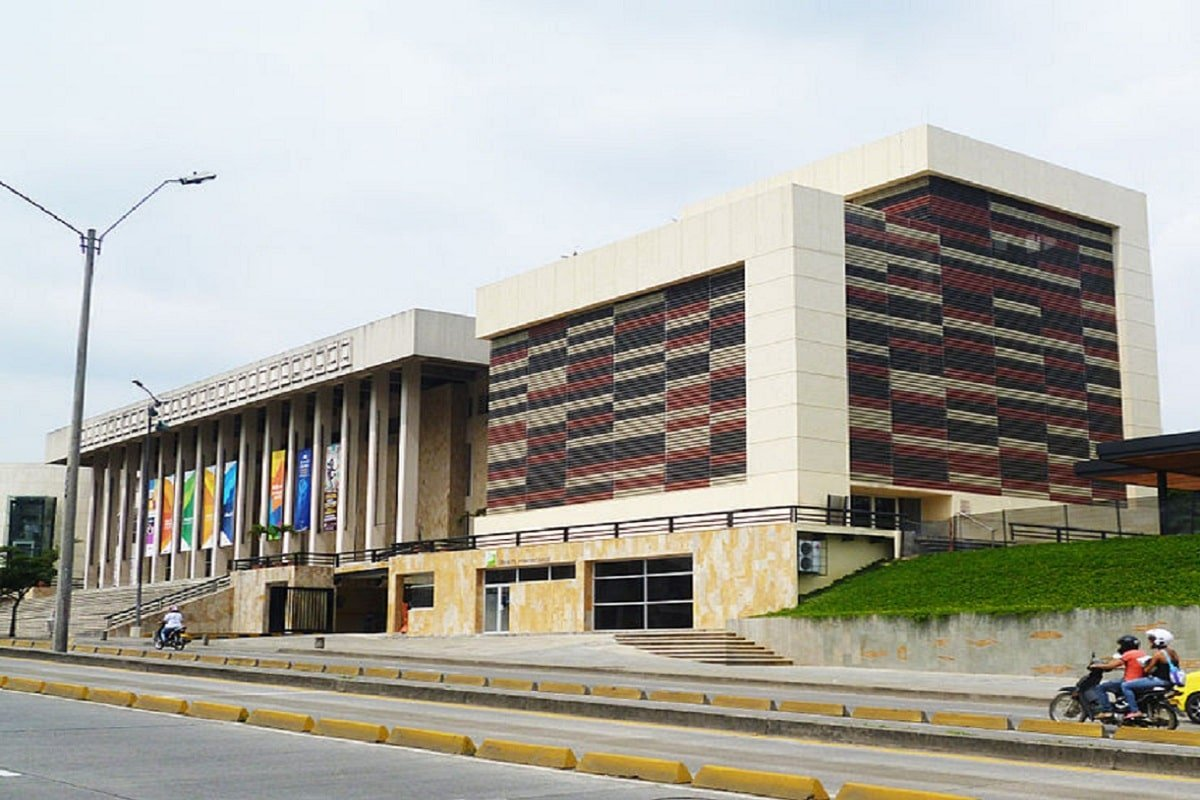 Biblioteca departamental de Cali abre sus puertas al público el primero de marzo 27