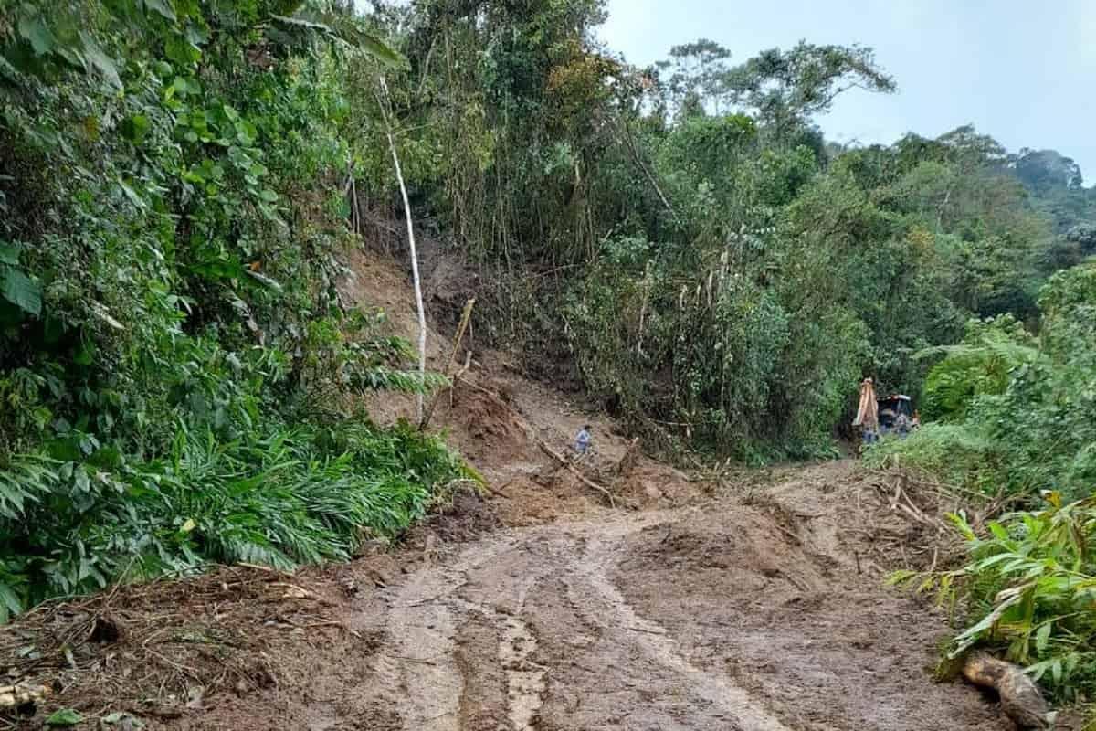 Lluvias dificultan trabajos para normalizar servicio de energía en zona montañosa de Buga y Tuluá 53