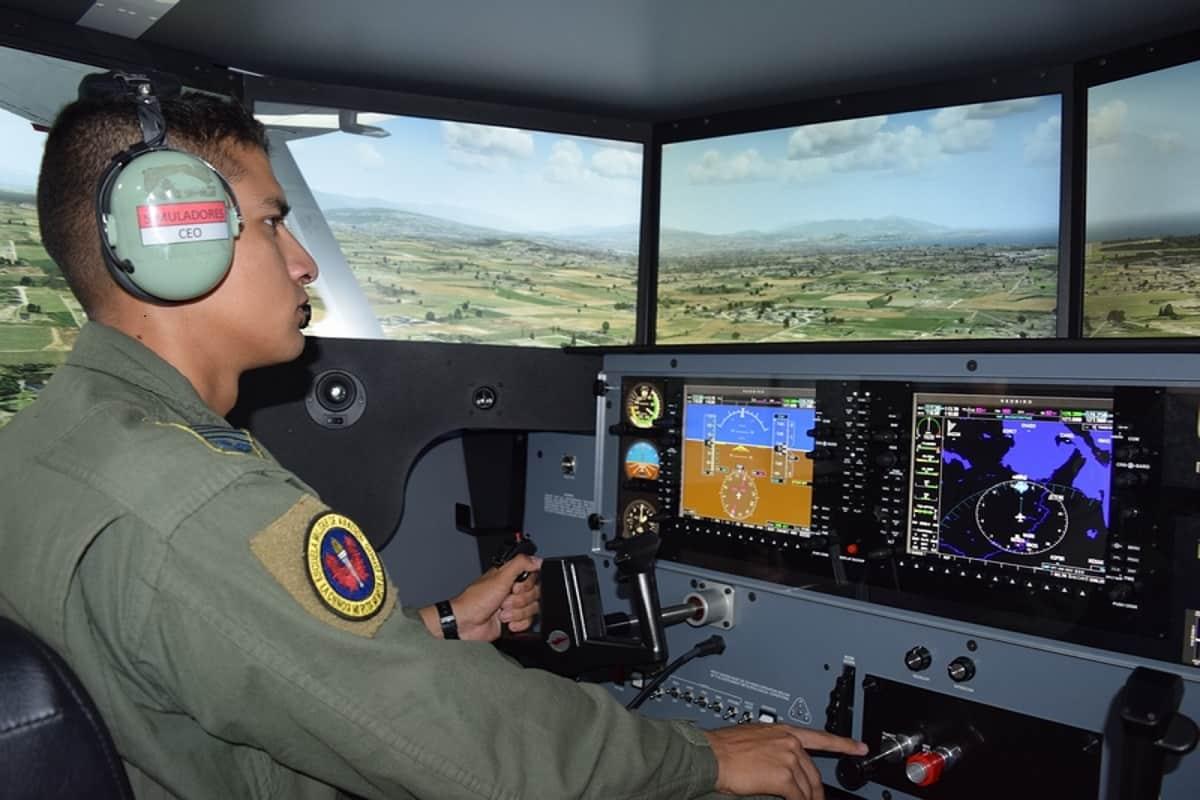 Mejores pilotos de Colombia son formados con tecnología de punta  48