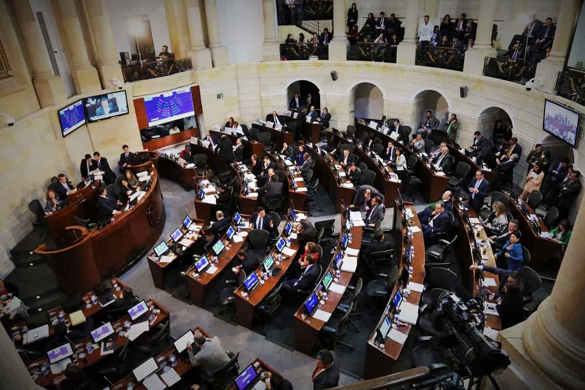 Proyecto de ley amenaza libertad de expresión, según periodistas 27