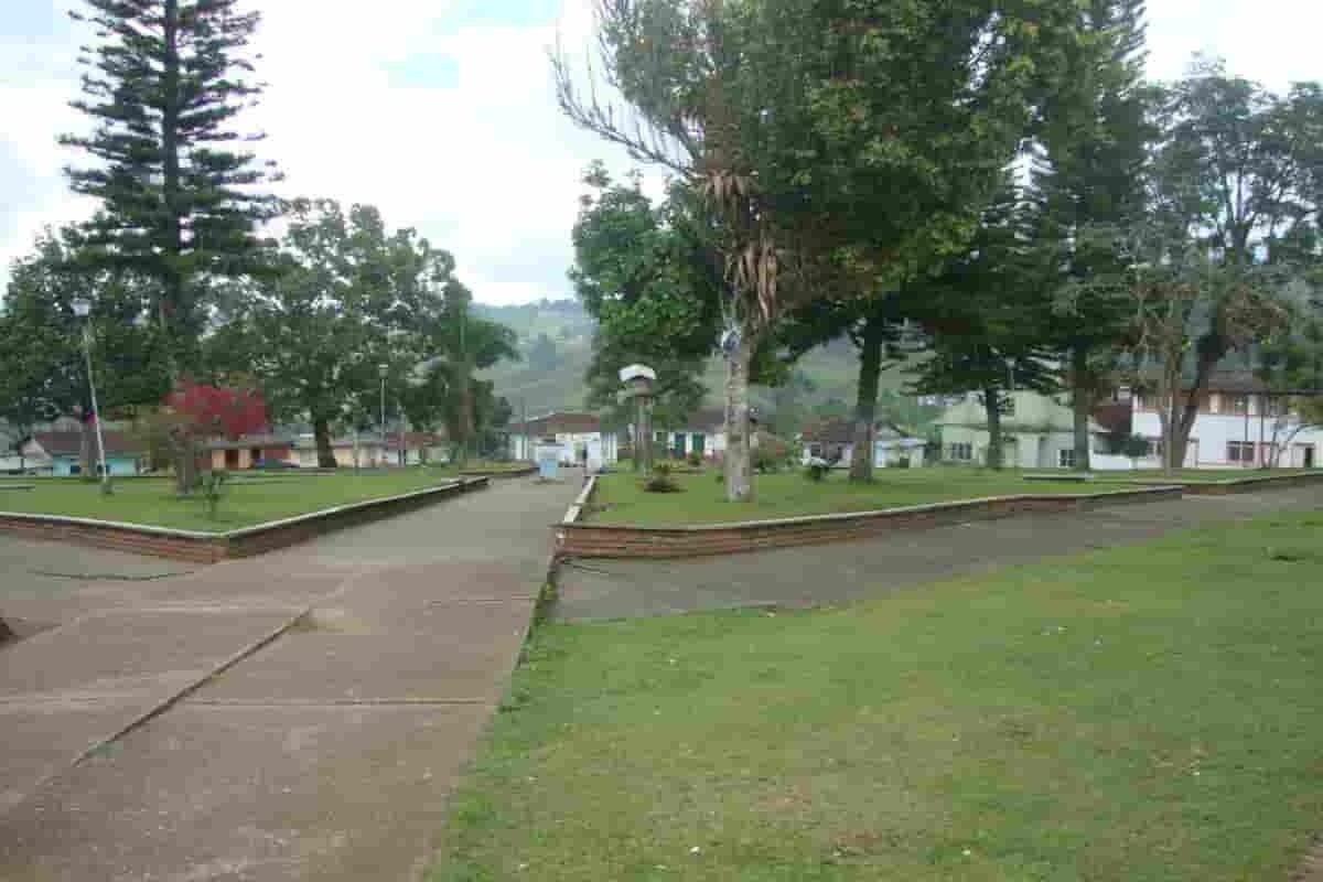 Riofrío municipio reserva ecoturística del Valle del Cauca 5